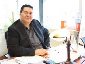 (2) Kevin Tacan, Dakota language instructor, Brandon University, 2015 (web)