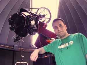 BU student Evan Citulsky with telescope (for web)